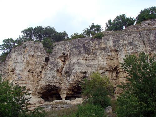 Dumbrăveni – Canaraua Fetei şi bisericuţele de calcar