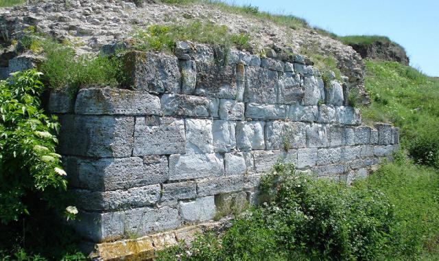 Dunăreni / Sacidava   În cetatea regelui Roles