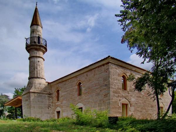 La Mangalia, la cea mai veche geamie din România