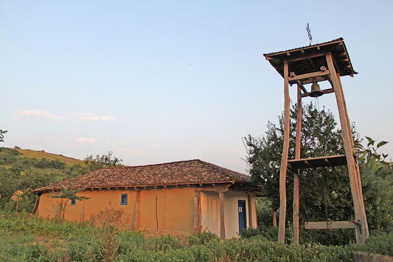 La Izvoarele, în cea mai veche biserică a județului