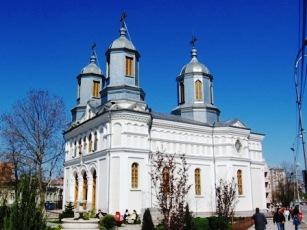Povestea inedită a unei catedrale – Sfântul Nicolae din Tulcea