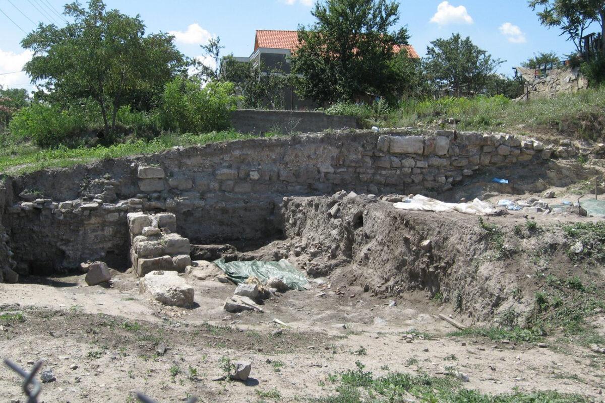 Capitala Rusiei Kievene a fost trei ani în Dobrogea – Proslavița, Cetatea de la Nufăru