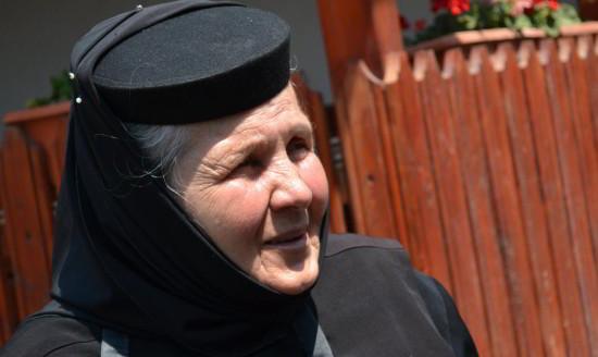 Fabuloasa poveste a măicuței de la Mănăstirea Strunga