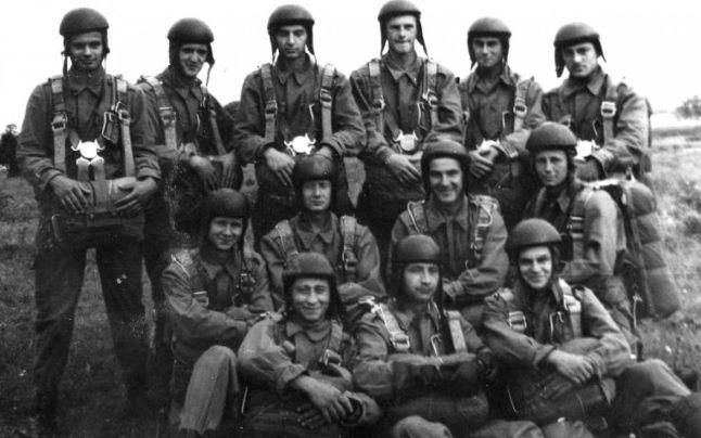 Noaptea Muzeelor: Muzeul Marinei, expoziție despre parașutiștii militari