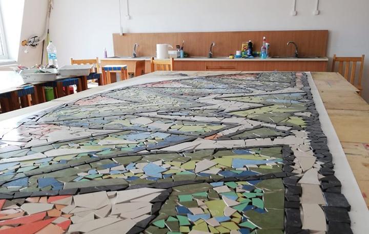 VIDEO. Meșteșugul Mozaicului: Cum se nasc operele proiectului ORAȘUL MEU DIN MOZAIC