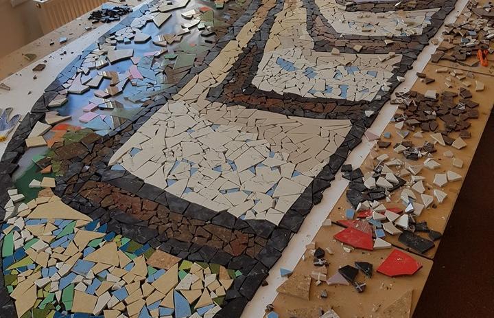 """LOCUITORII """"Oraşului meu din mozaic"""", creatori ai unui alt fel de cotidian"""