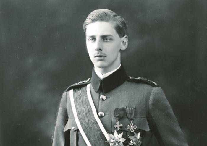 10 aprilie în Istorie: Principele Nicolae, exclus din familia regală din cauza căsătoriei secrete