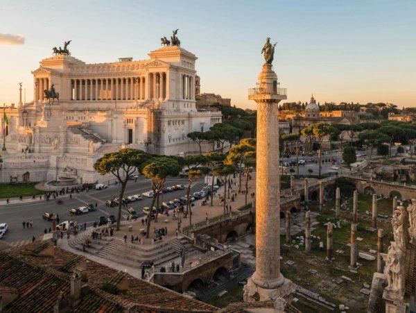 12 mai în Istorie: A fost inaugurată Columna lui Traian